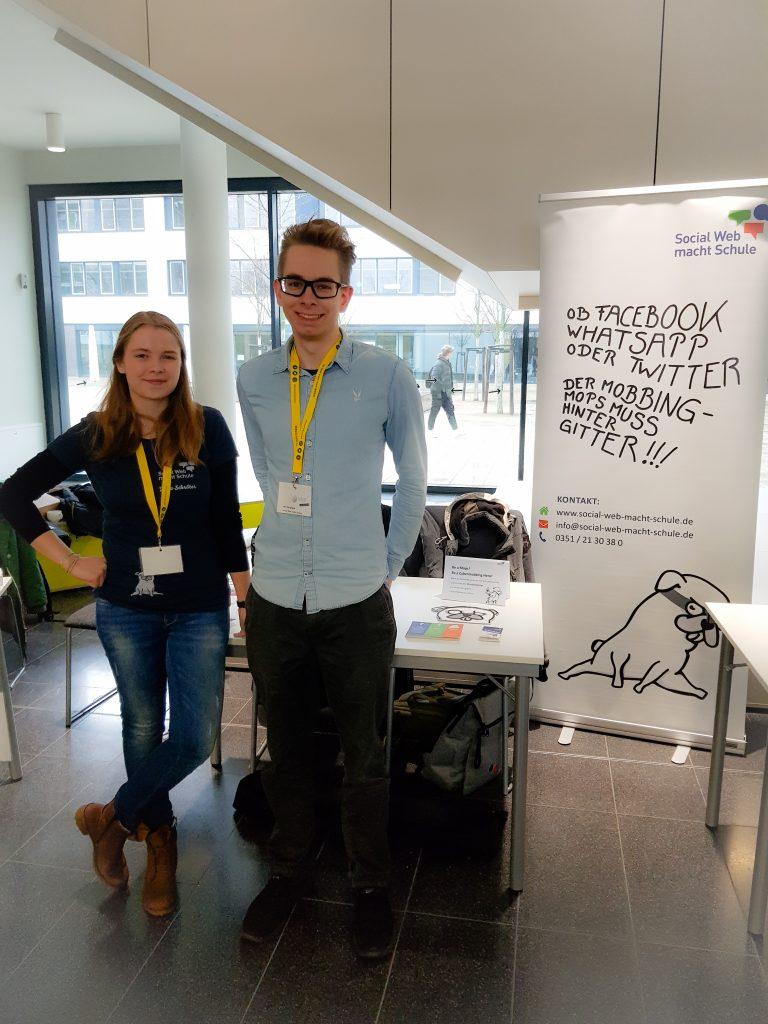 Sophia und Marcel von Social Web macht Schule beim Safer Internet Day 2020